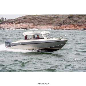 Алюминиевый катер Buster Cabin E с подвесным мотором