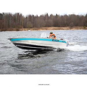 Алюминиевая моторная лодка NewStyle 411 консоль