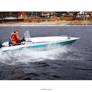 Алюминиевая моторная лодка NewStyle 431 консоль