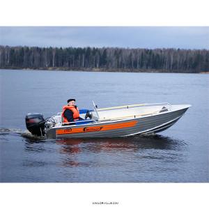 Алюминиевая моторная лодка Wellboat 42 консоль