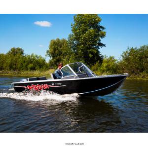 Моторная лодка Салют RealCraft 440