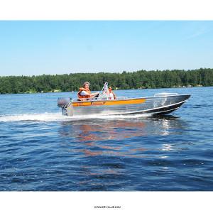Алюминиевая моторная лодка Wellboat 46 консоль